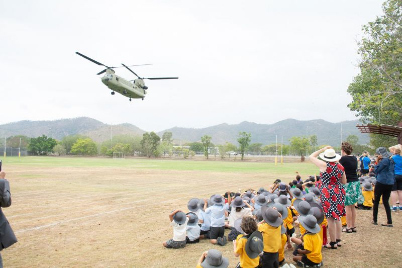 Remembrance Day Commemoration � Aviation�s Chinook landing on school oval